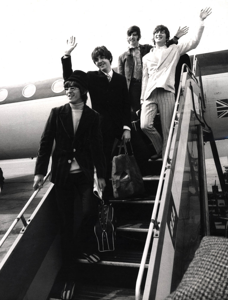 Photo of BEATLES and Ringo STARR and Paul McCARTNEY and George HARRISON