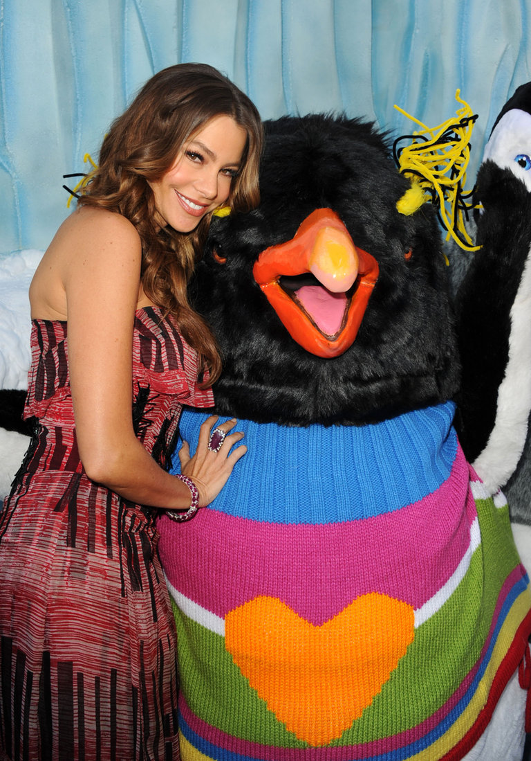 """Premiere Of Warner Bros. Pictures' """"Happy Feet Two"""" - Red Carpet"""