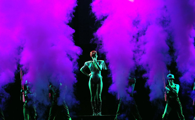 Rihanna Last Girl On Earth Tour