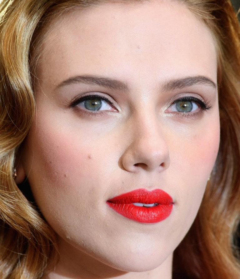 Scarlett Johansson Arrives At Selfridges For Photocall