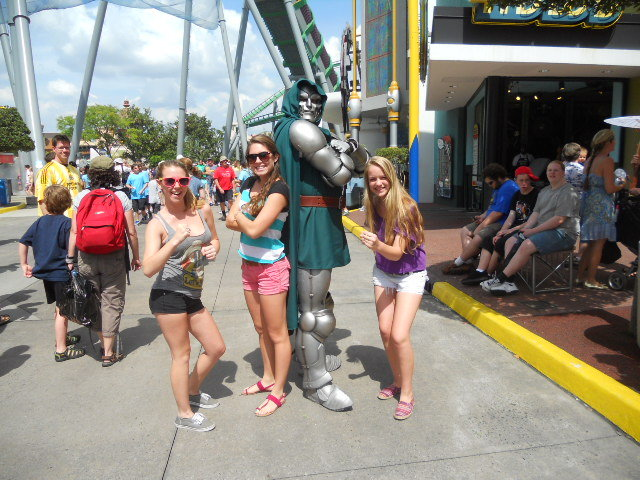 Universal with my besties, Jenna and Hannah!