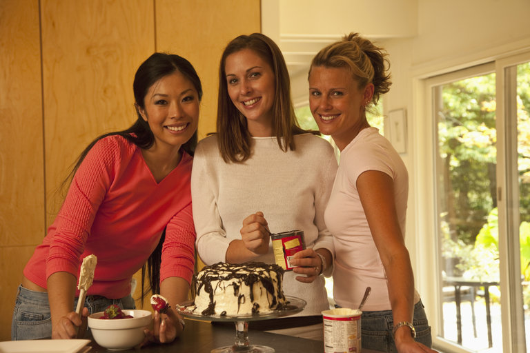 friends baking in the kitchen