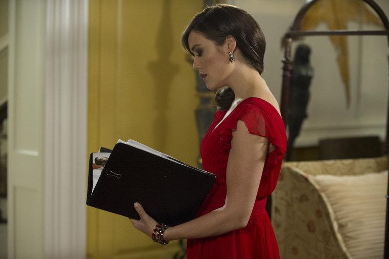 "Photo from the episode ""Madeline Pratt"""