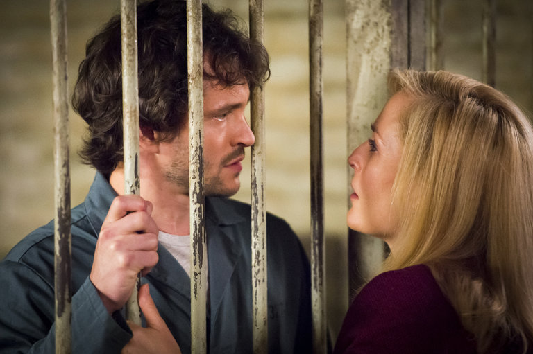 "HANNIBAL -- ""Sakizuki"" Episode 202 -- Pictured: (l-r) Hugh Dancy as Will Graham, Gillian Anderson as Bedelia De Maurier  -- (Photo by: Brooke Palmer/NBC)"