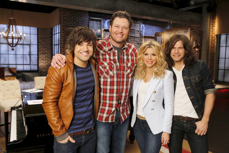 """THE VOICE -- """"Team Blake Battle Reality"""" -- Pictured: (l-r) Blake Shelton, The Band Perry -- (Photo by: Trae Patton/NBC)"""