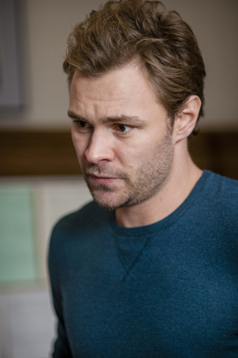 """Photo from the episode """"A Material Witness"""""""
