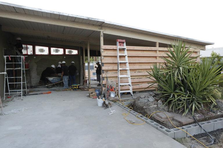 "AMERICAN DREAM BUILDERS -- ""Build Week"" Episode 102 -- (Photo by: Vivian Zink/NBC)"