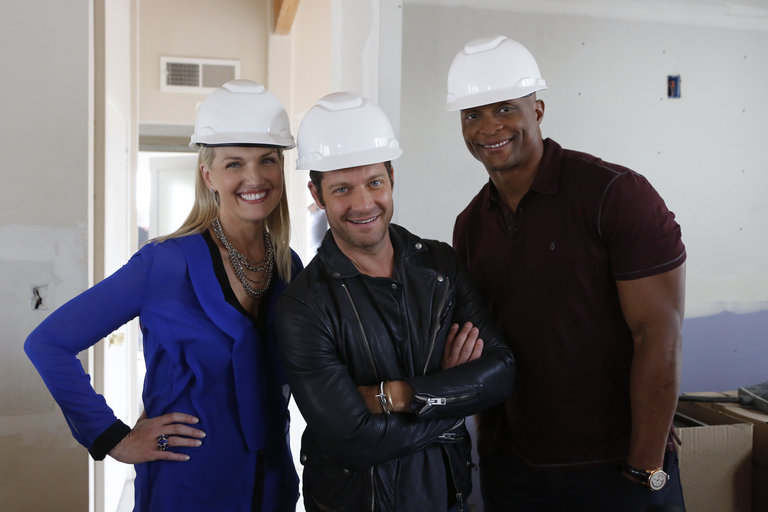 "AMERICAN DREAM BUILDERS -- ""Build Week"" Episode 102 -- Pictured: (l-r) Monica Pedersen, Nate Berkus, Eddie George -- (Photo by: Vivian Zink/NBC)"