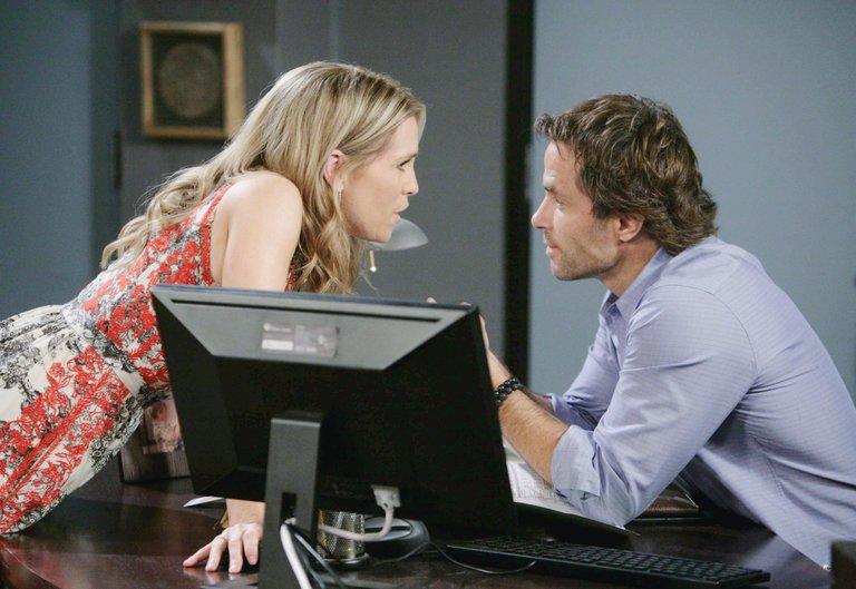 Jennifer tells Daniel she thinks Nicole lied to her.