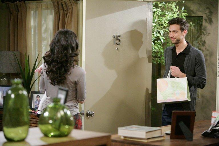 Things heat up between Nick and Gabi...