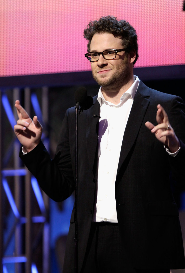 Rogen began his career in stand-up comedy, winning the Vancouver Amateur Comedy Contest in 1998.