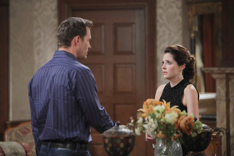 Brady tells a disappointed Theresa he has to stop seeing her.
