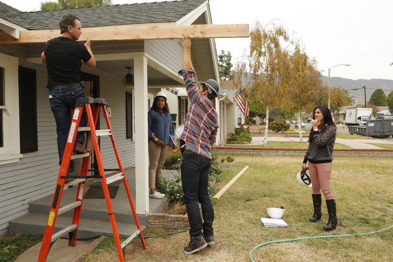 AMERICAN DREAM BUILDERS -- Episode 106 -- (Photo by: Vivian Zink/NBC)