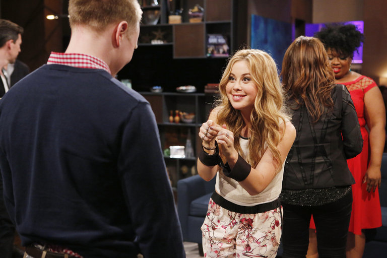 """HOLLYWOOD GAME NIGHT -- """"50 Charades of Grey"""" -- Pictured: (l-r) Contestant, Tara Lapinski -- (Photo by: Trae Patton/NBC)"""