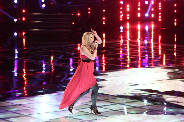 "THE VOICE -- ""Live Show"" -- Pictured: Dani Moz -- (Photo by: Tyler Golden/NBC)"