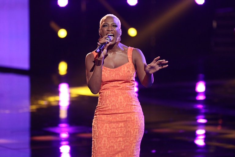 """THE VOICE -- """"Live Show"""" -- Pictured: Sisaundra Lewis -- (Photo by: Tyler Golden/NBC)"""