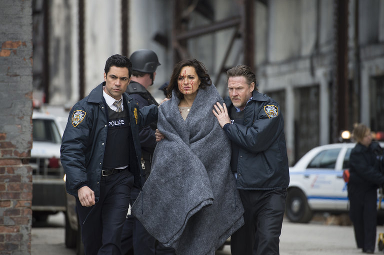 "LAW & ORDER: SPECIAL VICTIMS UNIT -- ""Post-Mortem Blues"" Episode 1521 -- Pictured: (l-r) Danny Pino as Det.Nick Amaro, Mariska Hargitay as Sgt. Olivia Benson, Donal Logue a Lt. Declan Murphy -- (Photo by: Micahel Parmelee/NBC)"