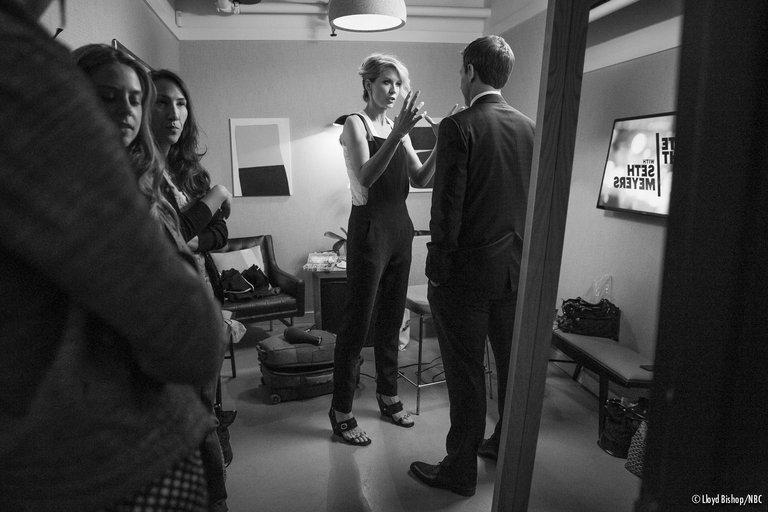 Jenna Elfman on Late Night with Seth Meyers