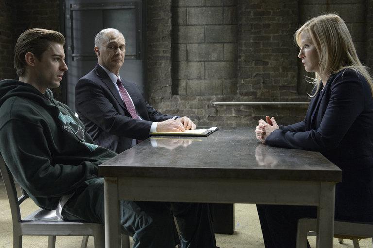 Law & Order SVU - Episode 1515 - Gridiron Soldier