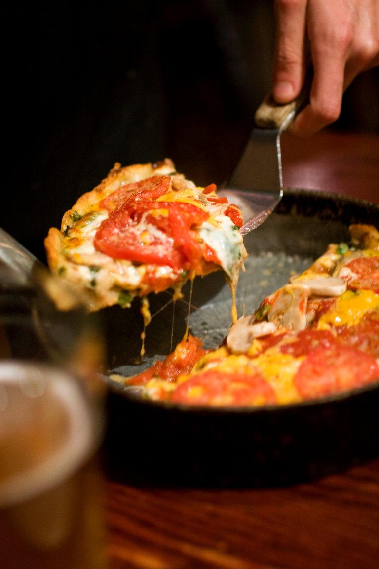 CHICAGO'S #1 PIZZA