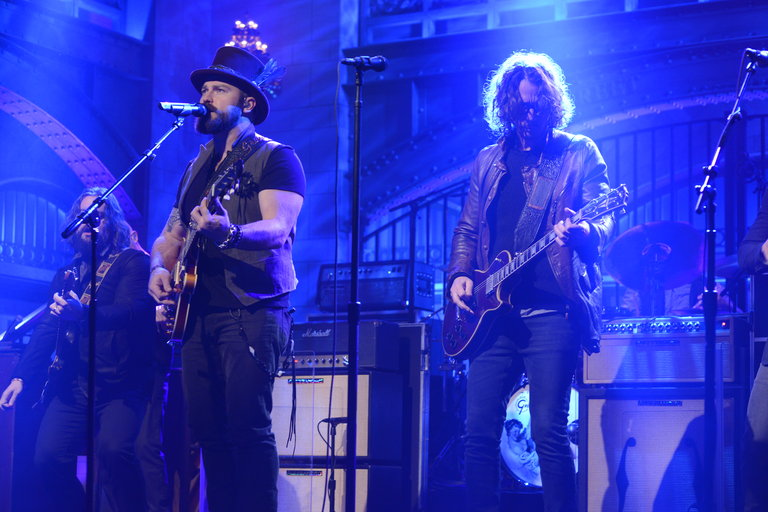 From the Set: Chris Hemsworth and Zac Brown Band