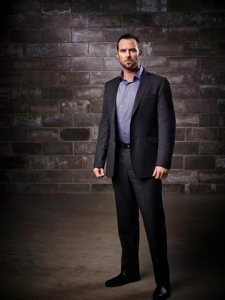 Sullivan Stapleton Is FBI Special Agent Kurt Weller