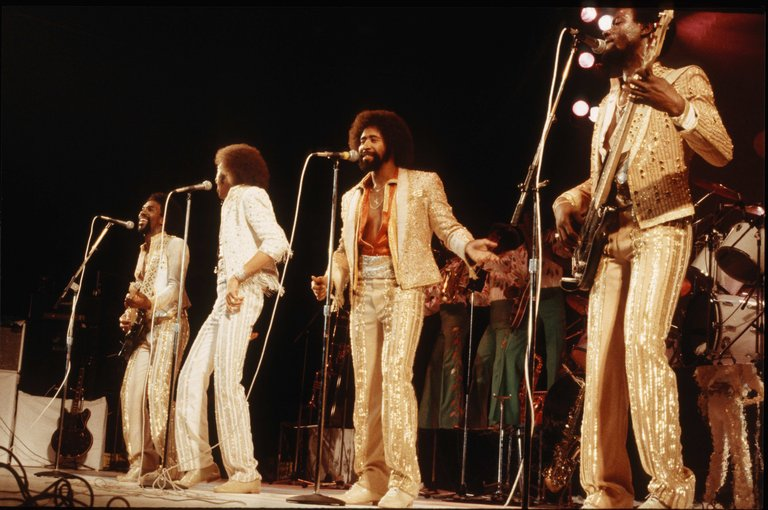 Photo of Lionel RICHIE and COMMODORES