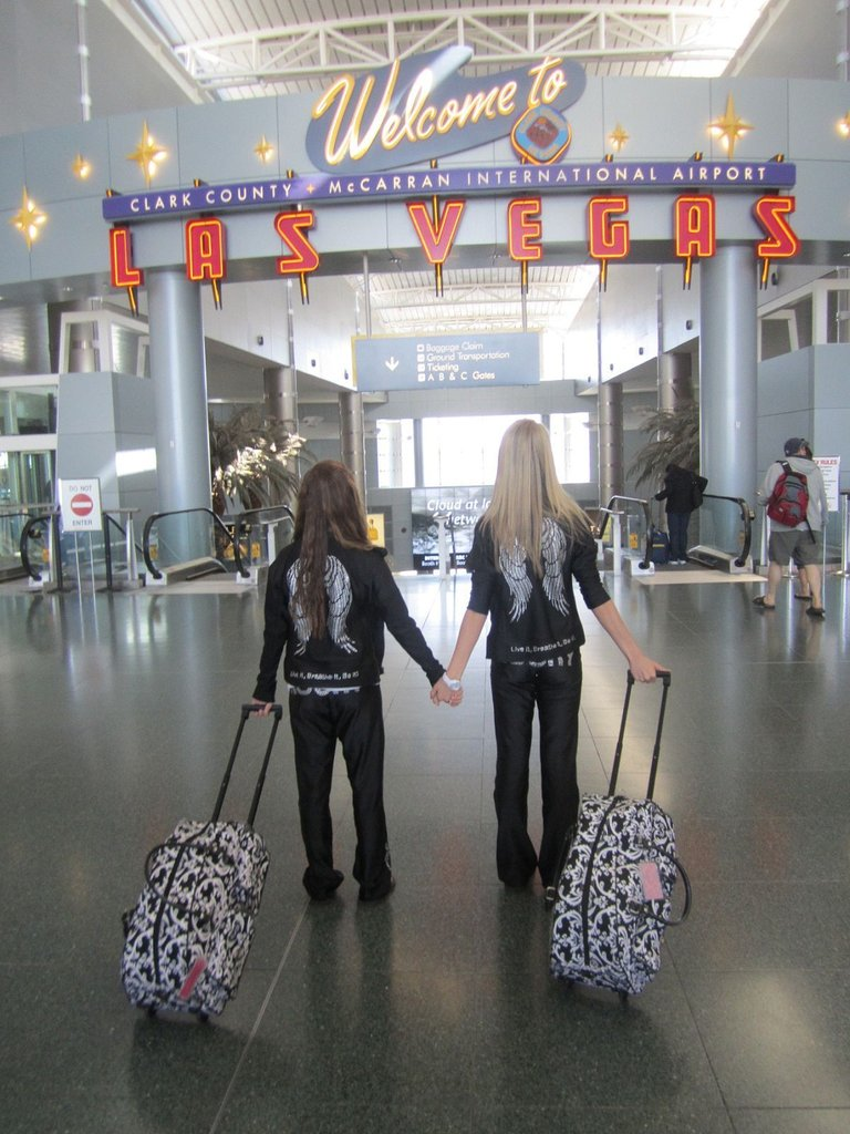 Silhouettes arriving in Las Vegas