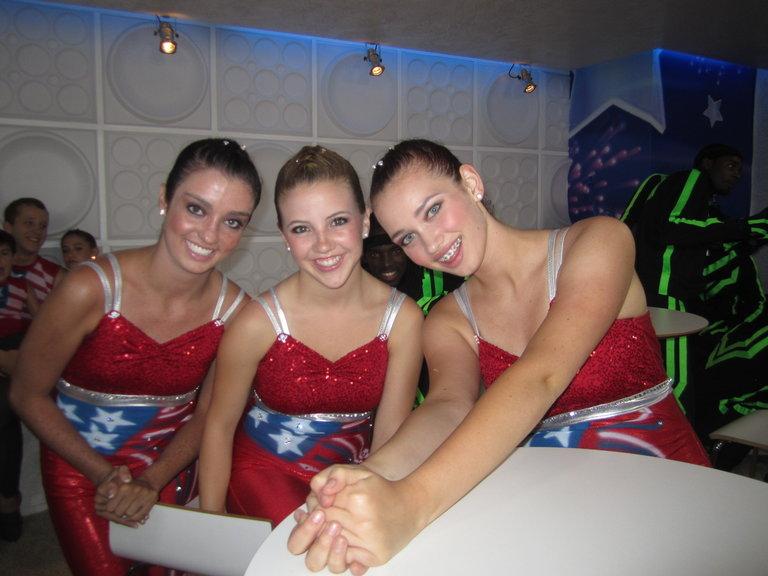 Kelsie, Emily and Banjo