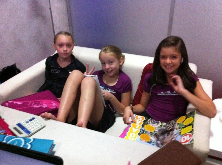 Sam, Lilli & Chloe