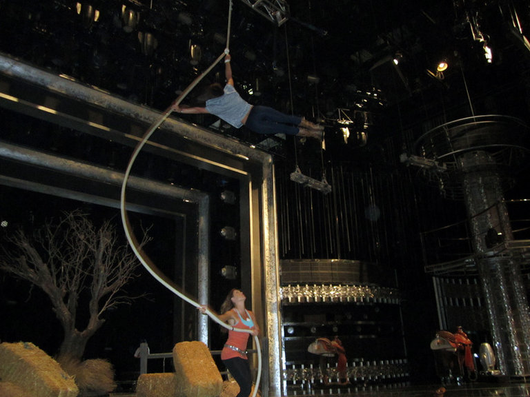 Tanea Lasso-ing and Sami flying!