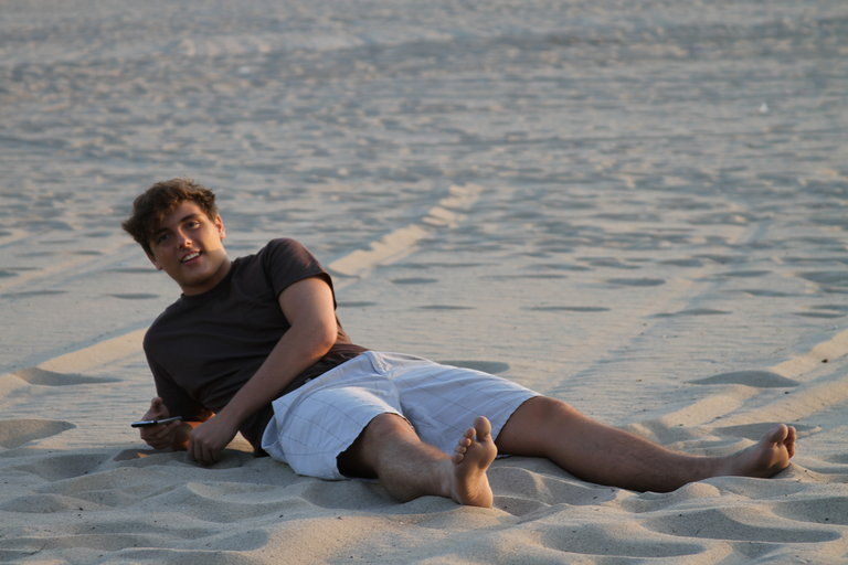 Gian, playing in the sand.