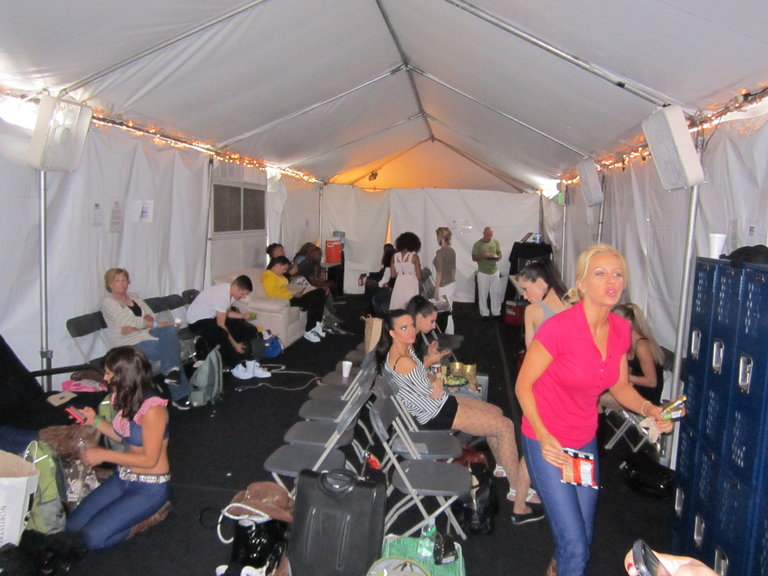A busy, busy tent!