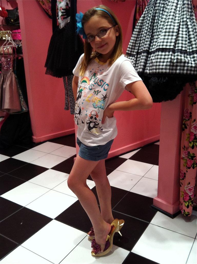 Kassidy Tryin' on Heels in Vegas