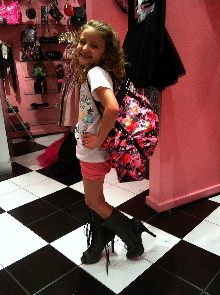 Avery Tryin' on Shoes in Vegas