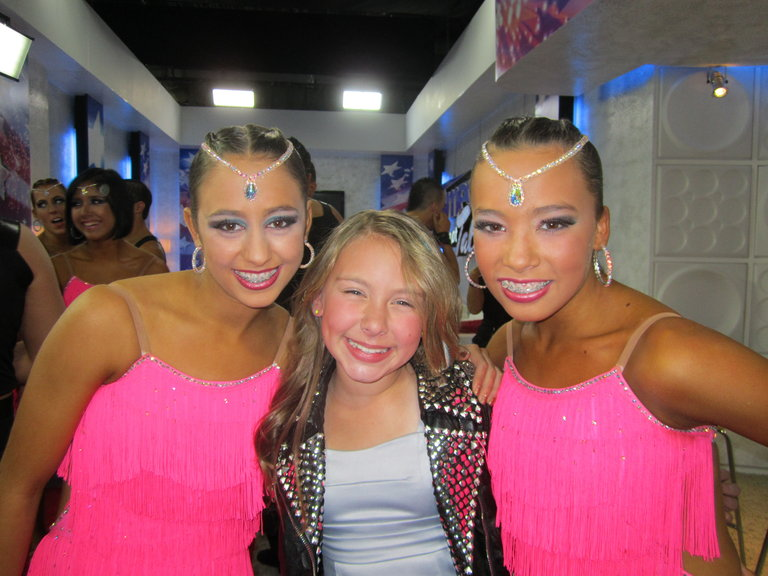 me and two beautiful girls from the miami allstars