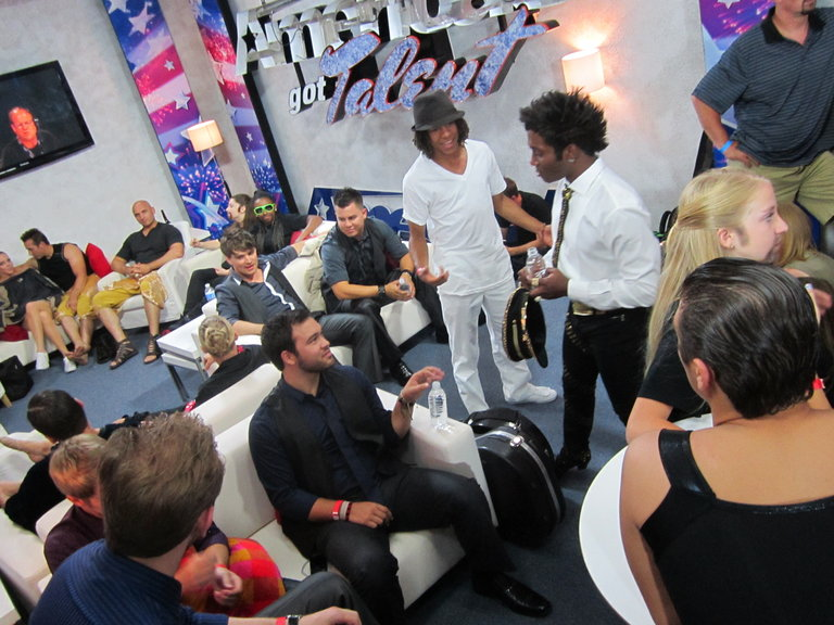 dezmond and other acts in the greenroom