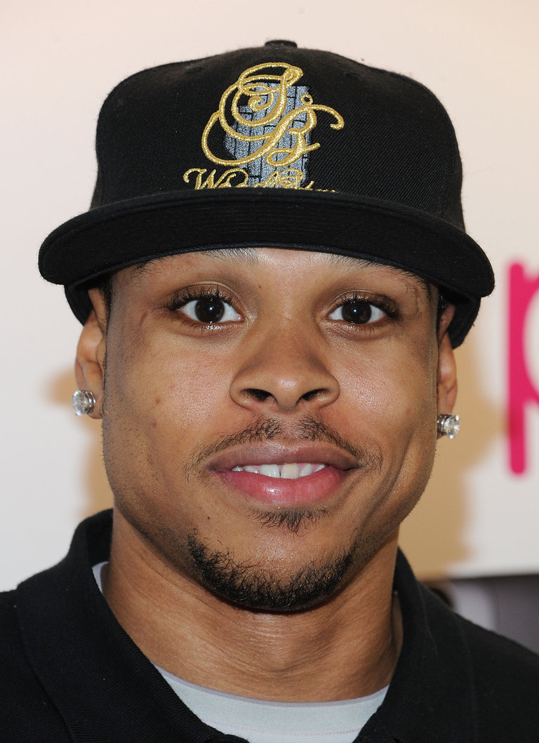 Shannon Brown Greets Fans At T-Mobile And Gears Up For NBA All-Star 2011 In Los Angeles