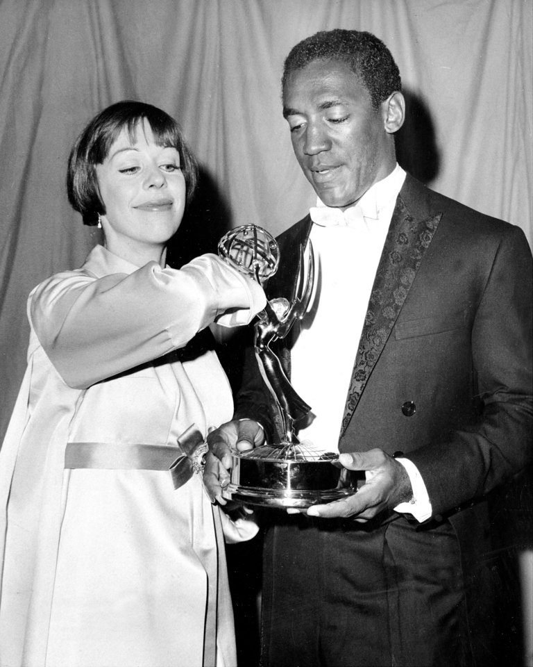 "Carol Burnett hands Emmy to Bill Cosby for his part in ""I Sp"