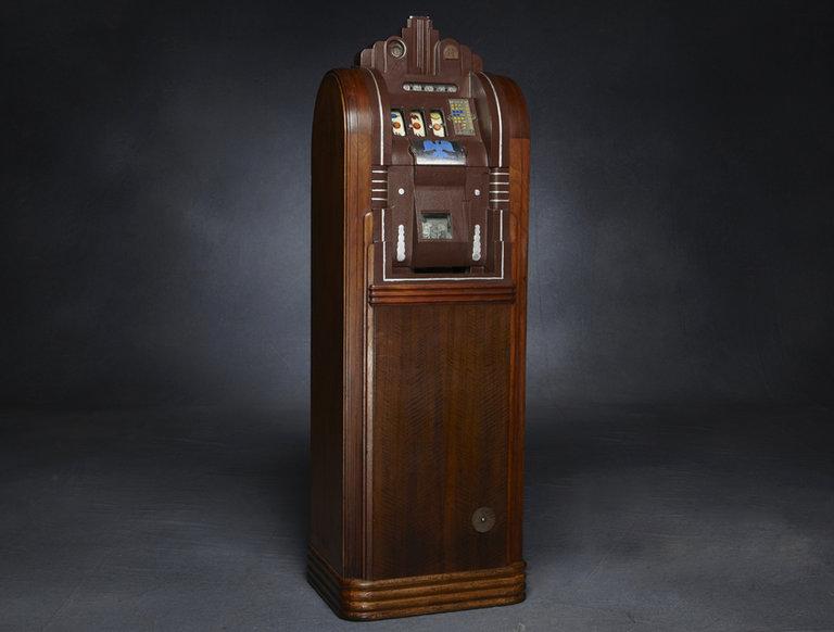 1933 Slot Machine