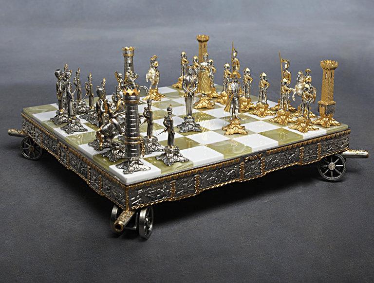 """La Bottega Del Vasari """"Napoleonic"""" Chess Set"""