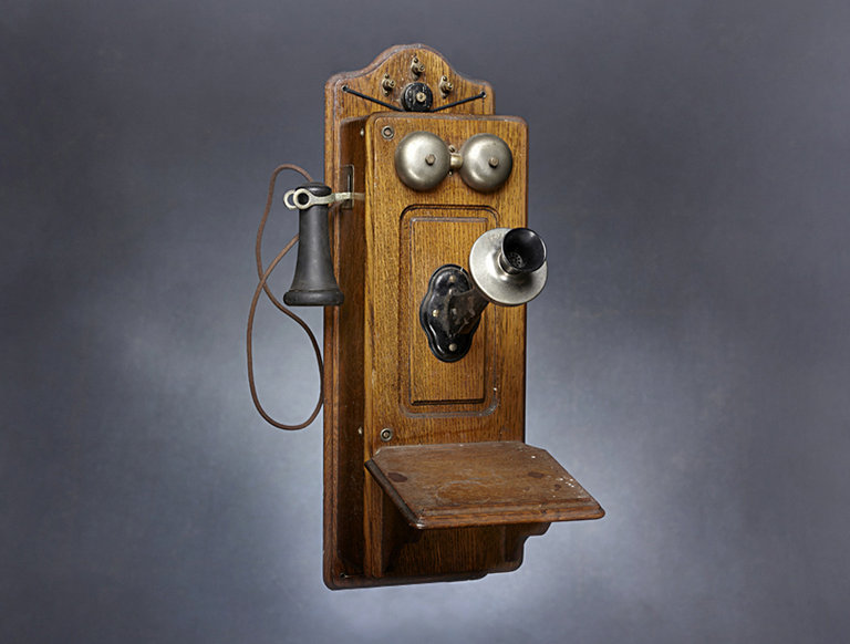 Antique Kellogg Hand Crank Wall Telephone