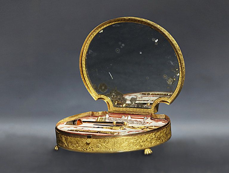 Giroux Sewing Kit (circa 1820)