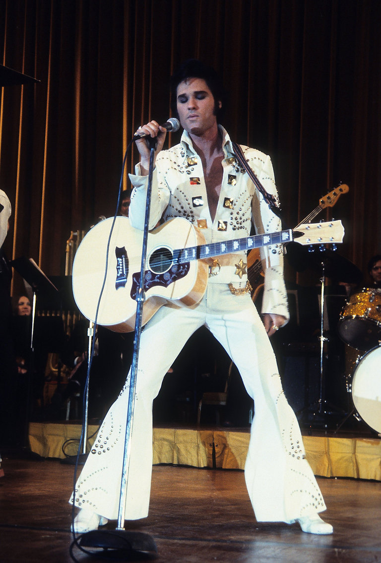 Kurt Russell as Elvis in Elvis the Movie