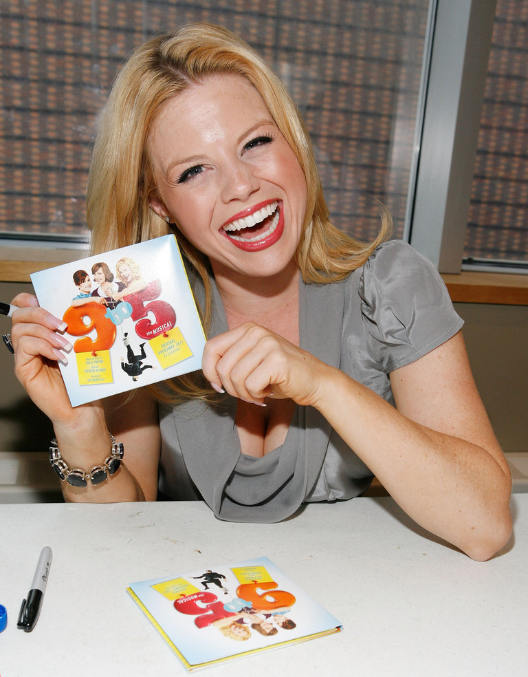 "Cast Of ""9 To 5"" On Broadway Performance And Autograph Signing"