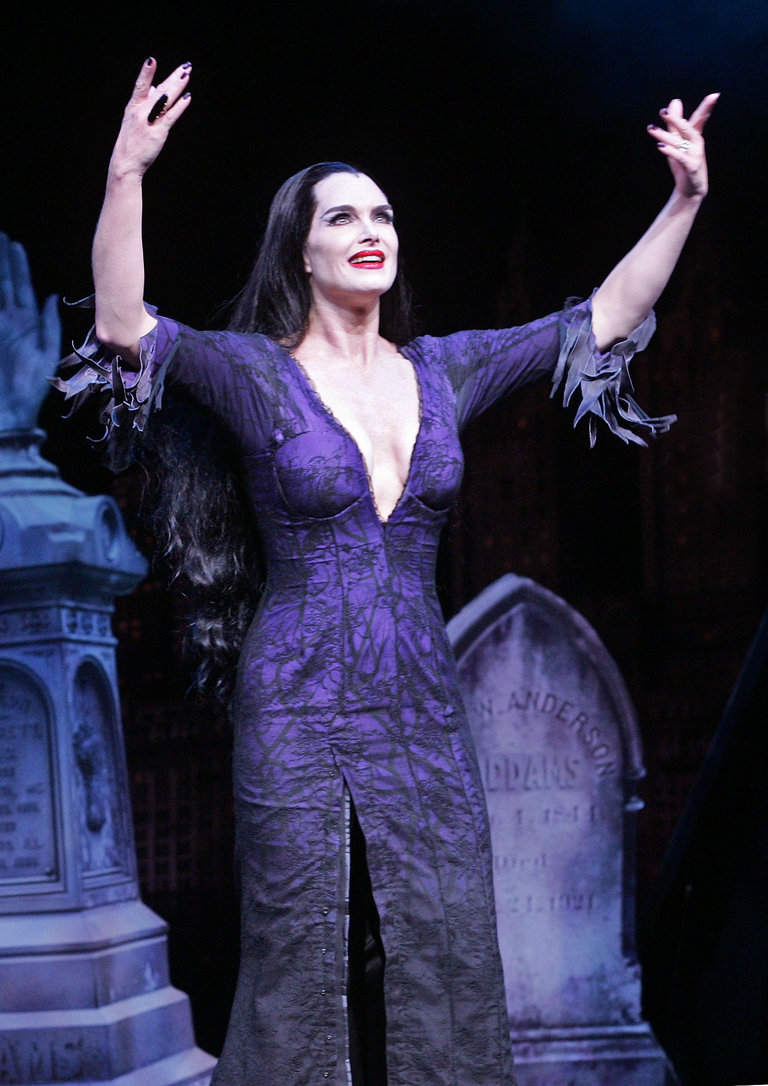 """Brooke Shields Joins The Broadway Cast Of """"The Addams Family"""" - Curtain Call"""