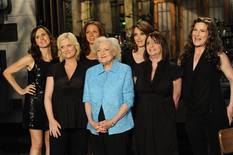 Betty White, Tina Fey, Molly Shannon, Amy Poehler, Maya Rudolph, Ana Gasteyer, and Rachel Dratch.