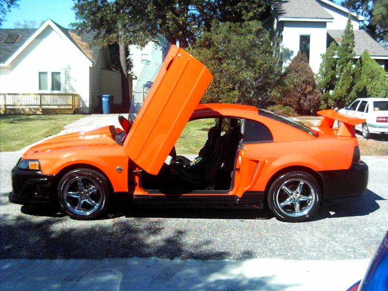 2004 - Ford, Mustang