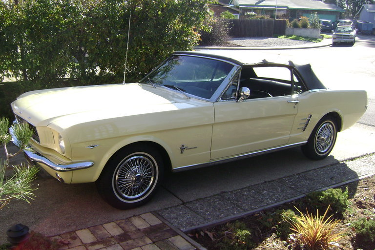 1966 - Ford, Convertible Mustang