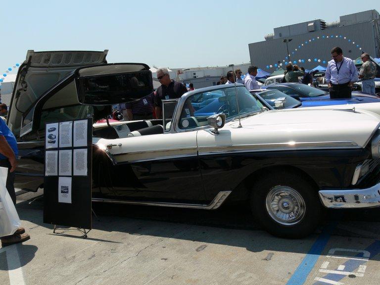 1957 - Ford, Fairlane 500 Skyliner Retractable